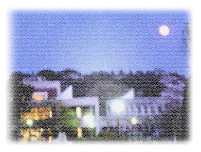 月と夜景.JPG